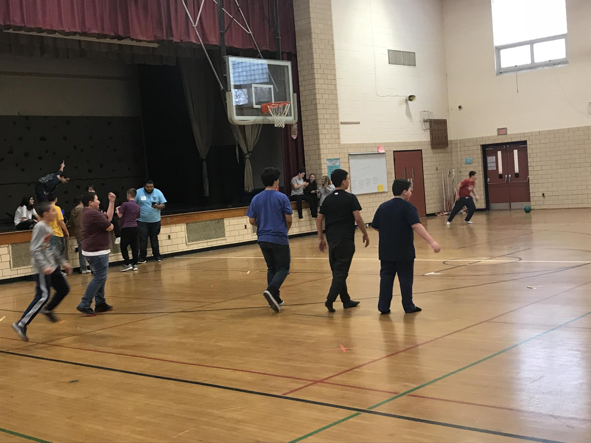 Club Bulldog kids playing dodgeball